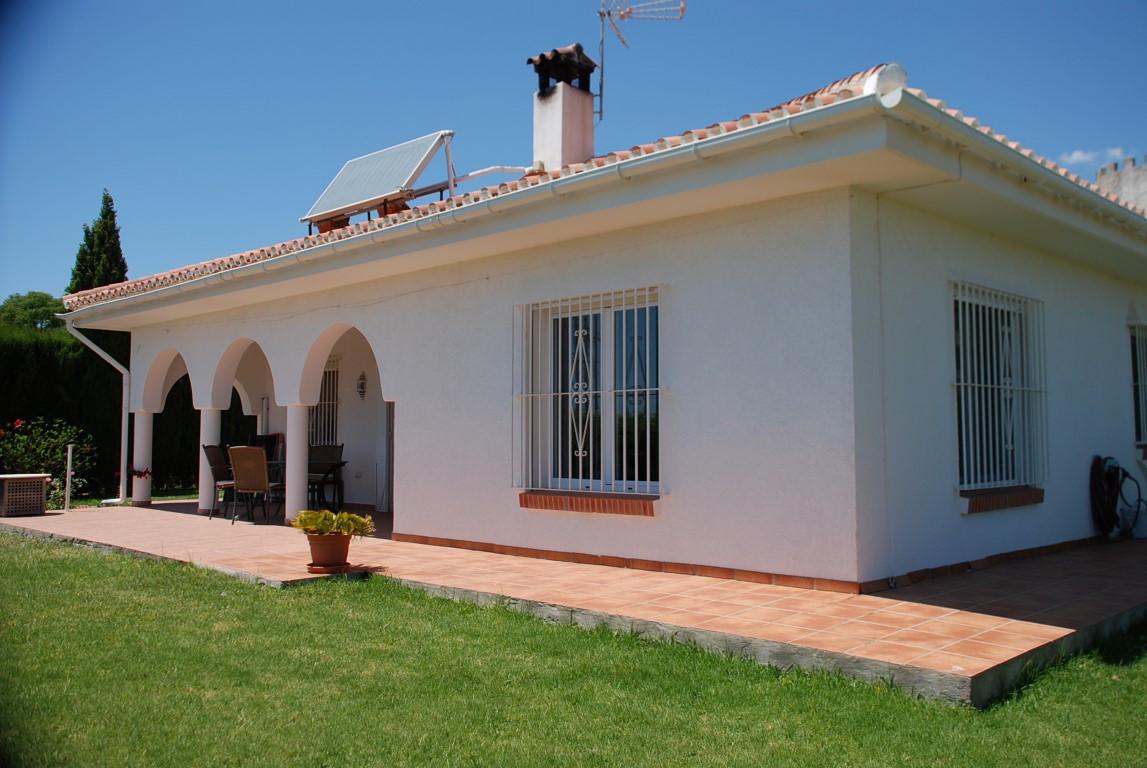 House in Estepona R3213358 11