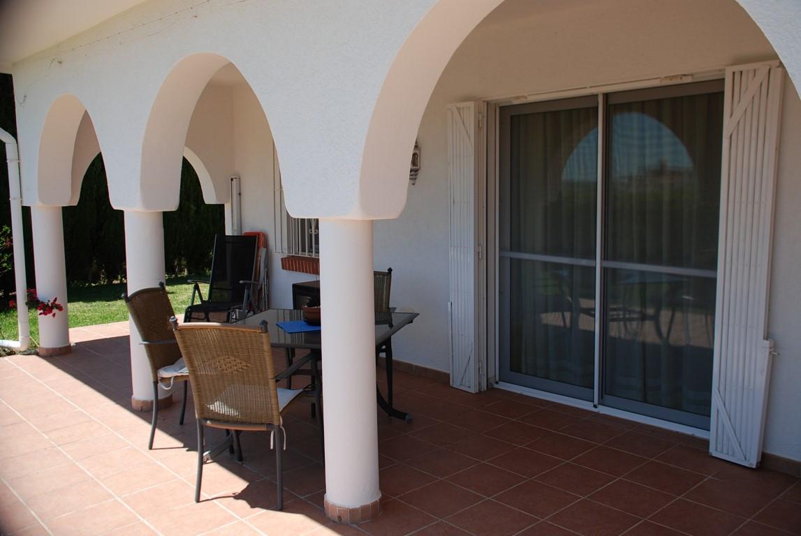 House in Estepona R3213358 14