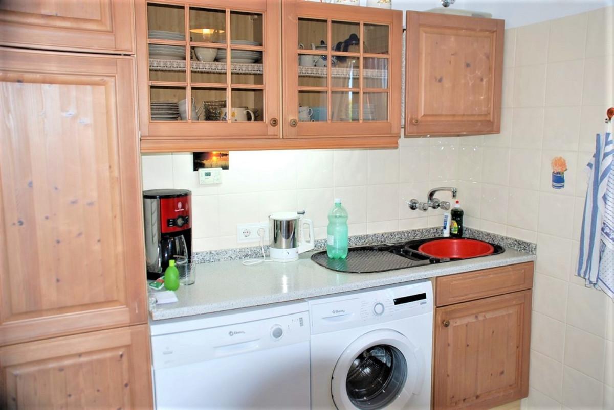 House in Estepona R3213358 19