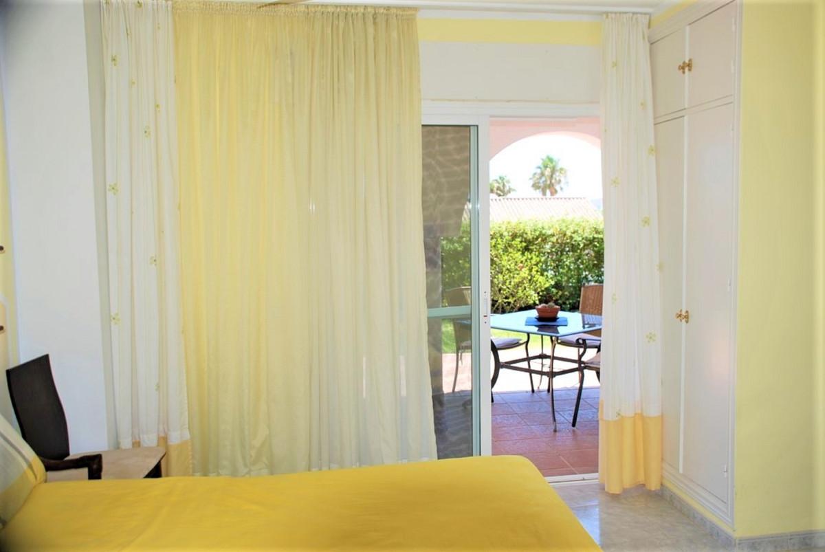 House in Estepona R3213358 20