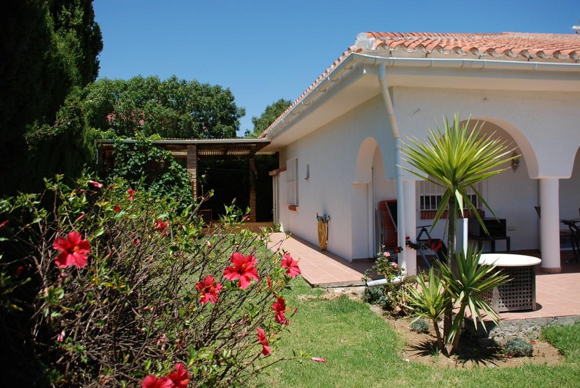 House in Estepona R3213358 3