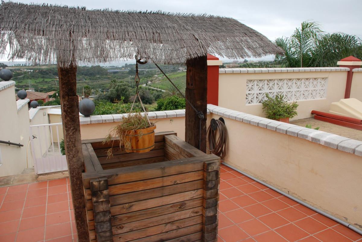 House in Estepona R2598008 15