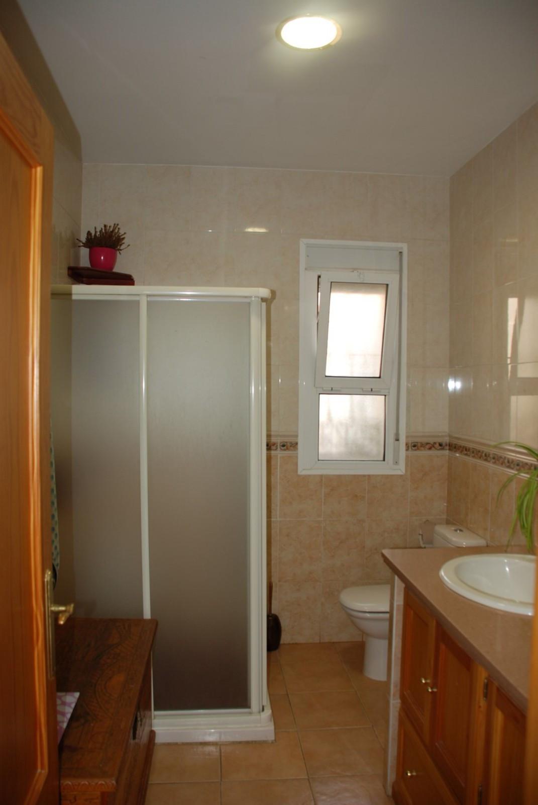 House in Estepona R2598008 22