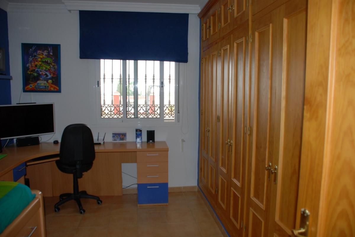 House en Estepona R2598008 32