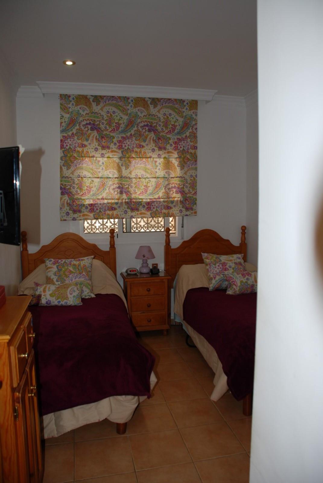 House in Estepona R2598008 38