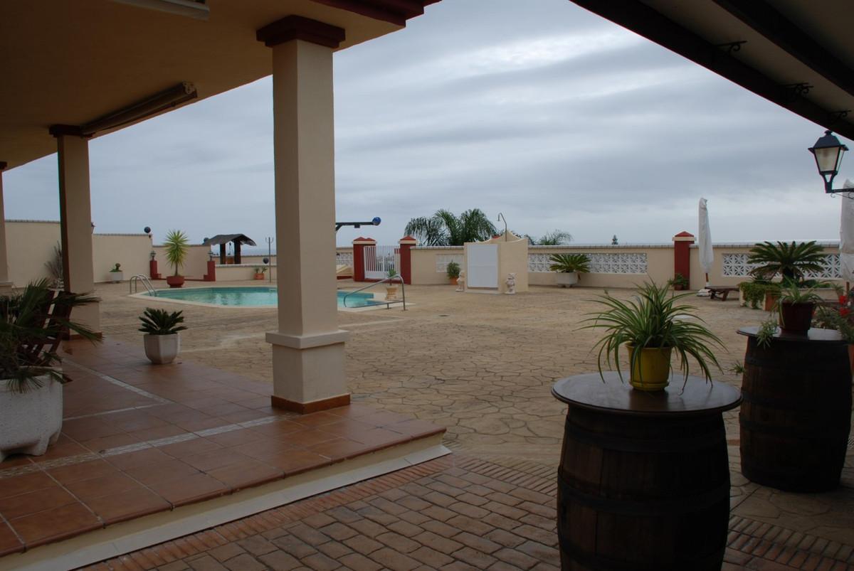 House in Estepona R2598008 57
