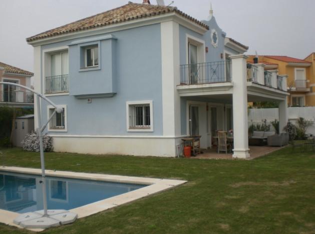 Detached Villa for sale in La Duquesa