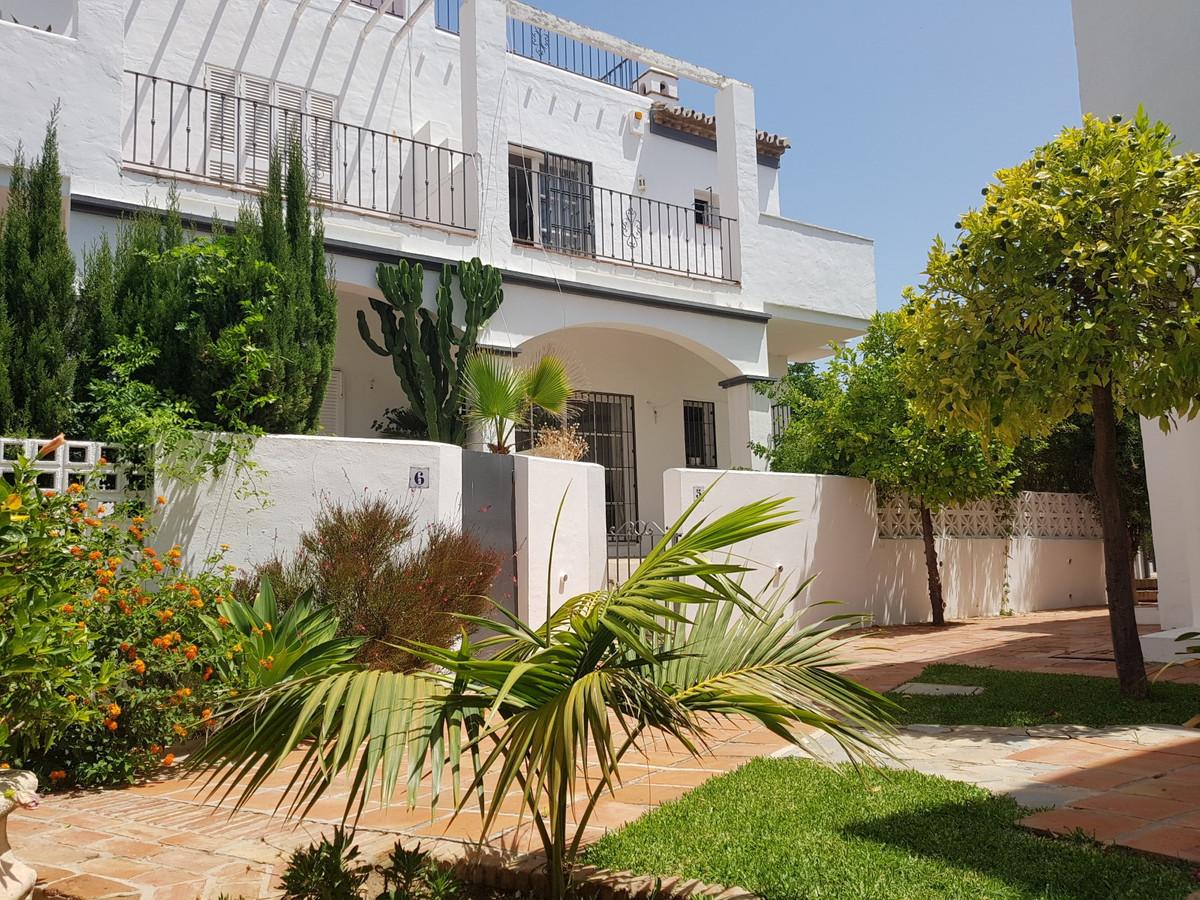 Rækkehus Til salg i Nueva Andalucía R3672716