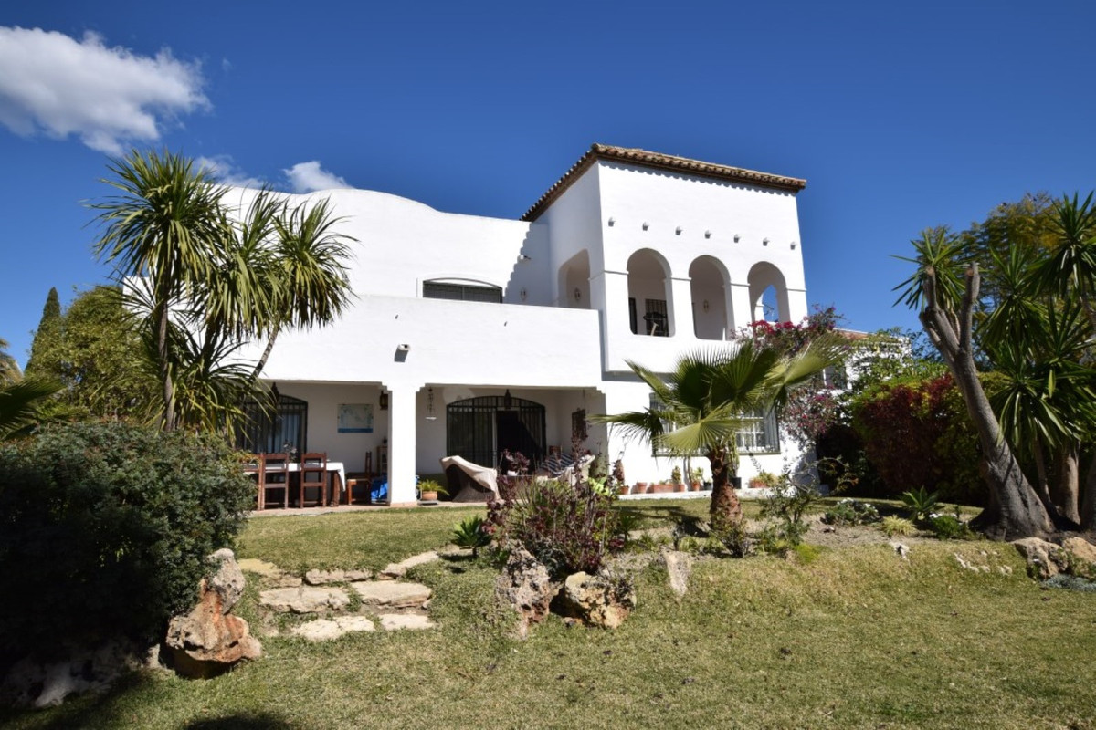 6 bedroom villa for sale bel air