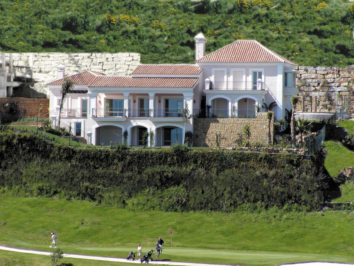Luxury villa in Benahavis area. With a plot size of 1421 M2 property has built 854 M2. It is distrib,Spain