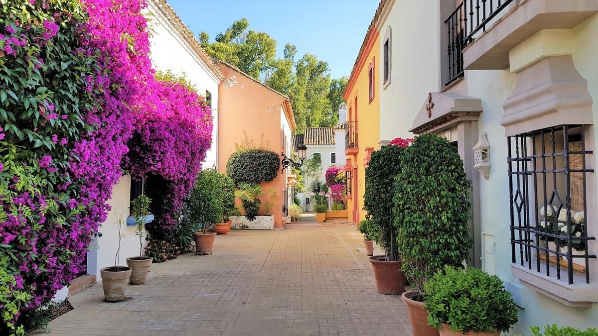 Villa in Guadalmina Baja