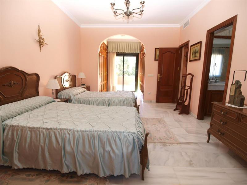 House in Atalaya R2395721 17