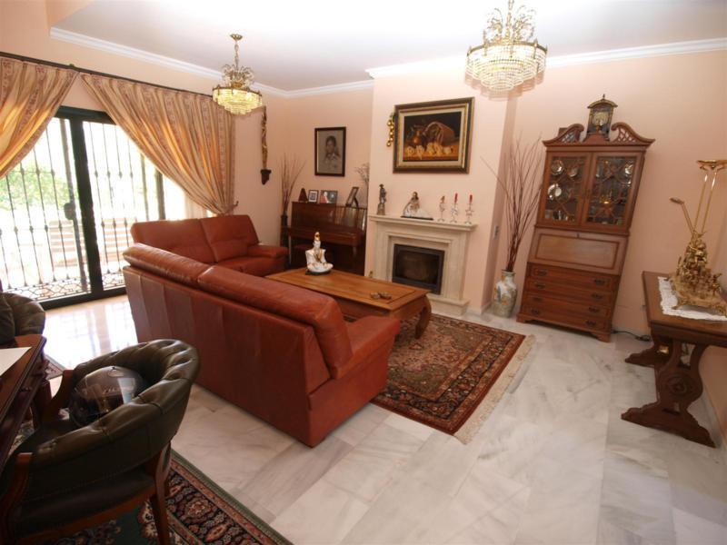 House in Atalaya R2395721 2