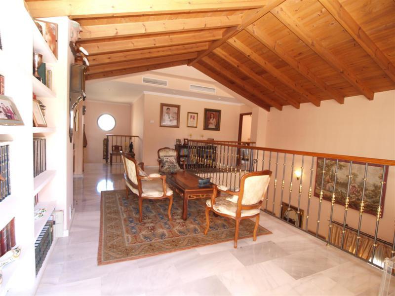House in Atalaya R2395721 25