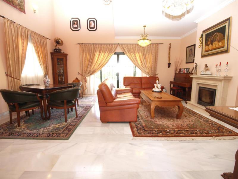 House in Atalaya R2395721 3