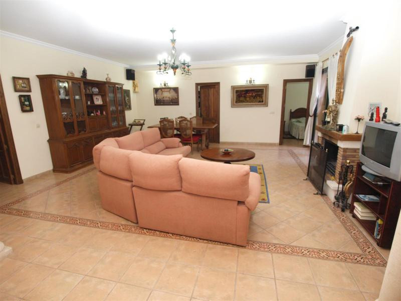 House in Atalaya R2395721 30