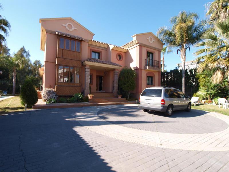 House in Atalaya R2395721 43