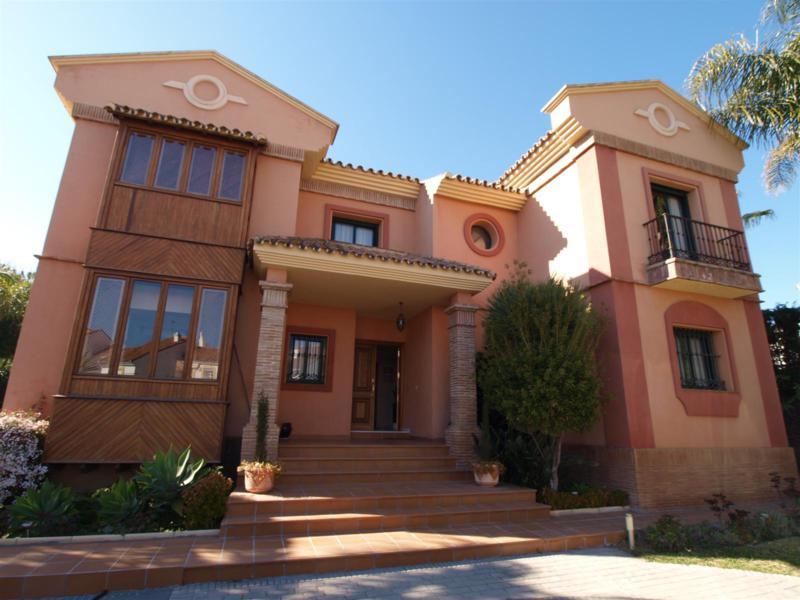 House in Atalaya R2395721 45