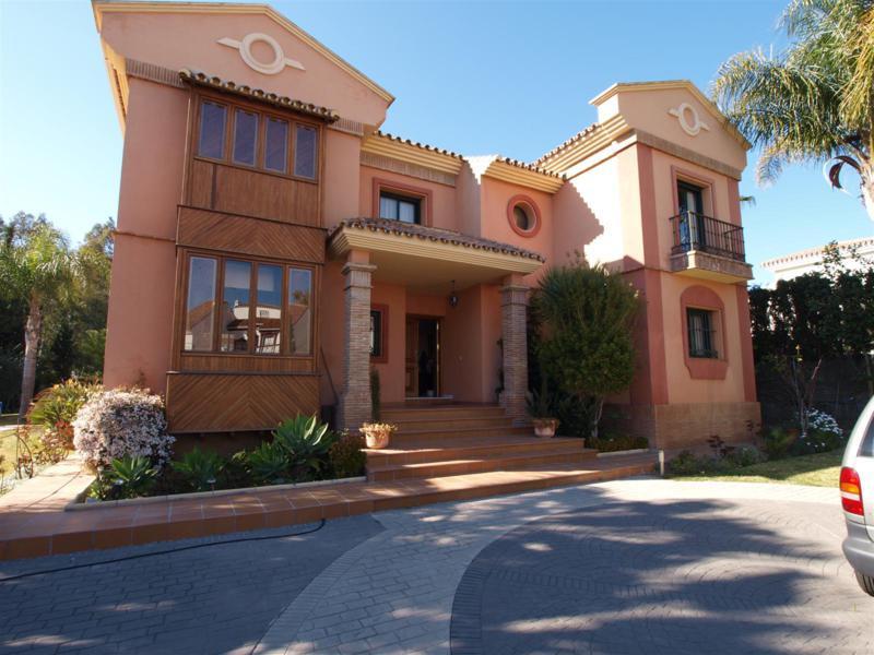 House in Atalaya R2395721 46
