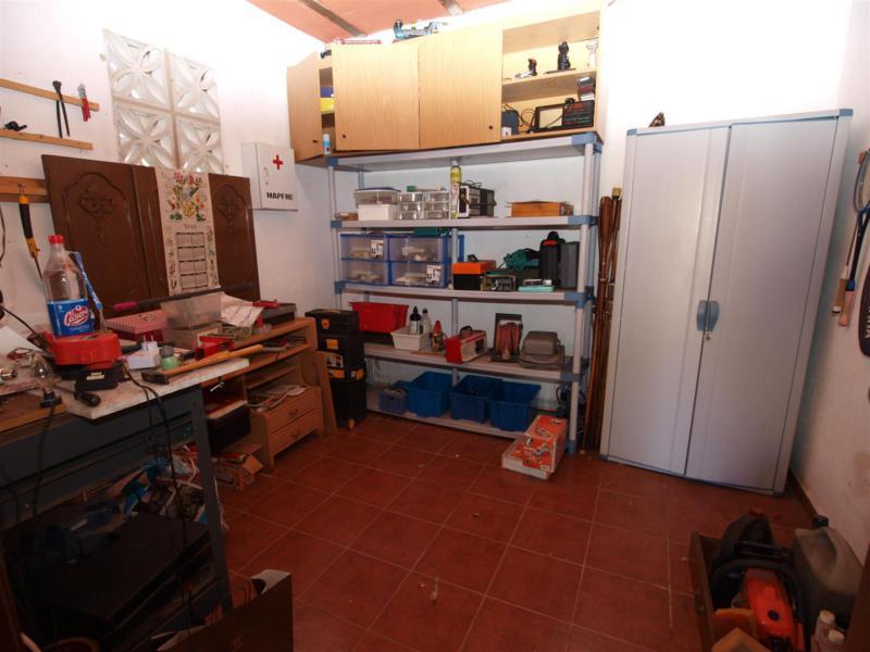 House in Atalaya R2395721 48