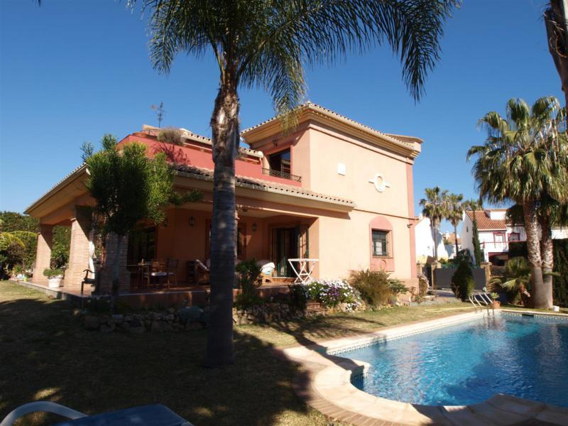House in Atalaya R2395721 54