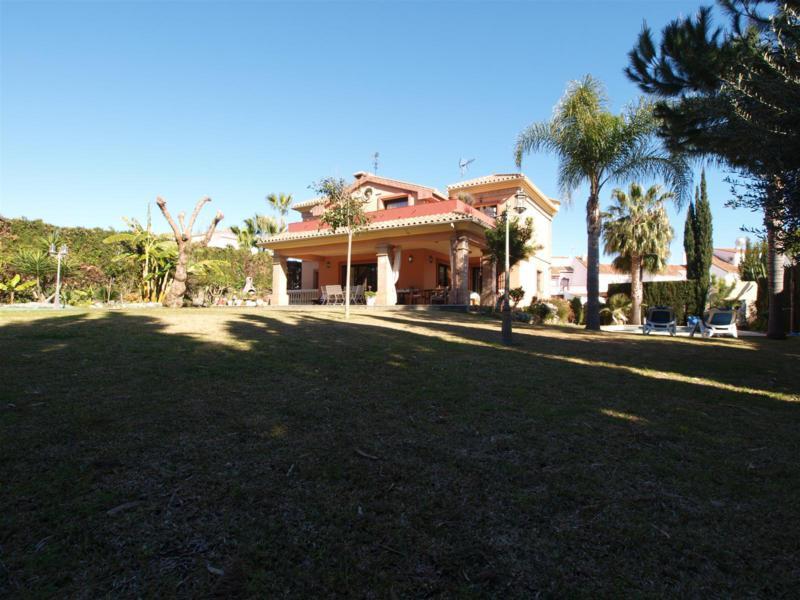 House in Atalaya R2395721 56