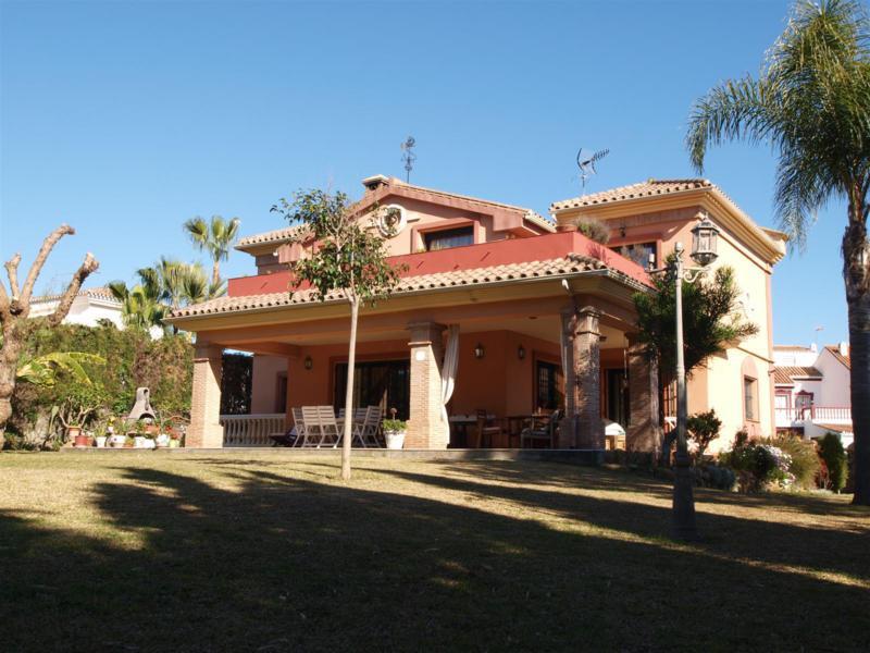 House in Atalaya R2395721 57