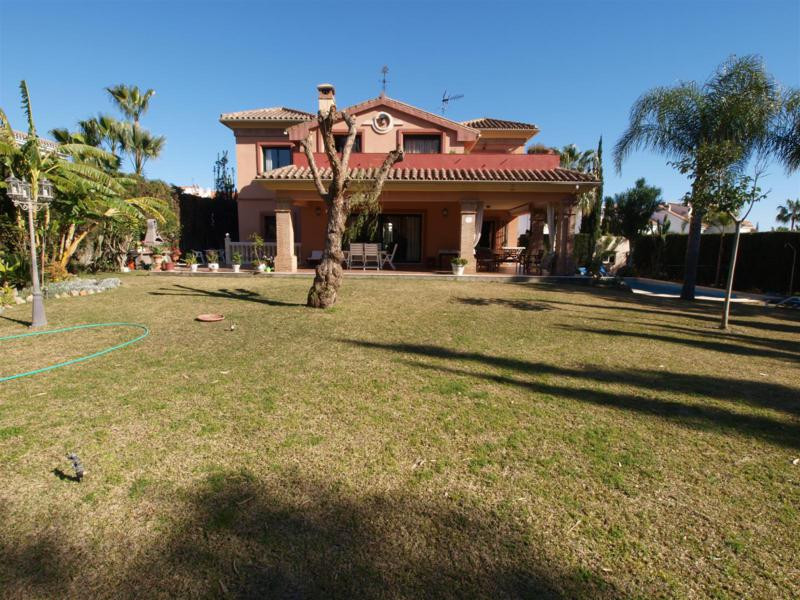 House in Atalaya R2395721 59