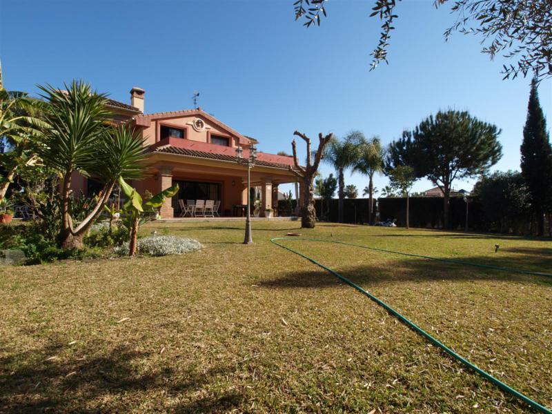 House in Atalaya R2395721 60