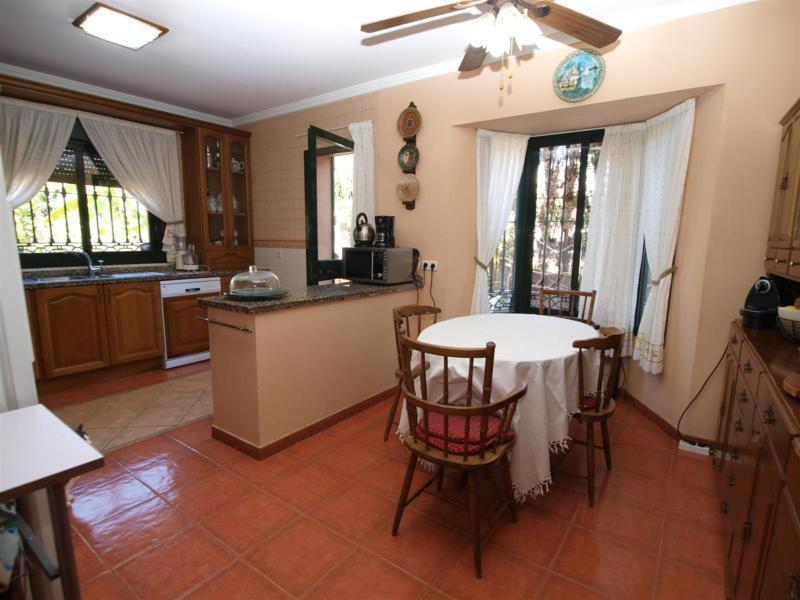 House in Atalaya R2395721 7