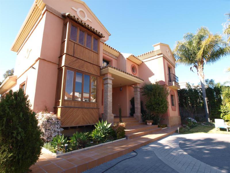 House in Atalaya R2395721 70