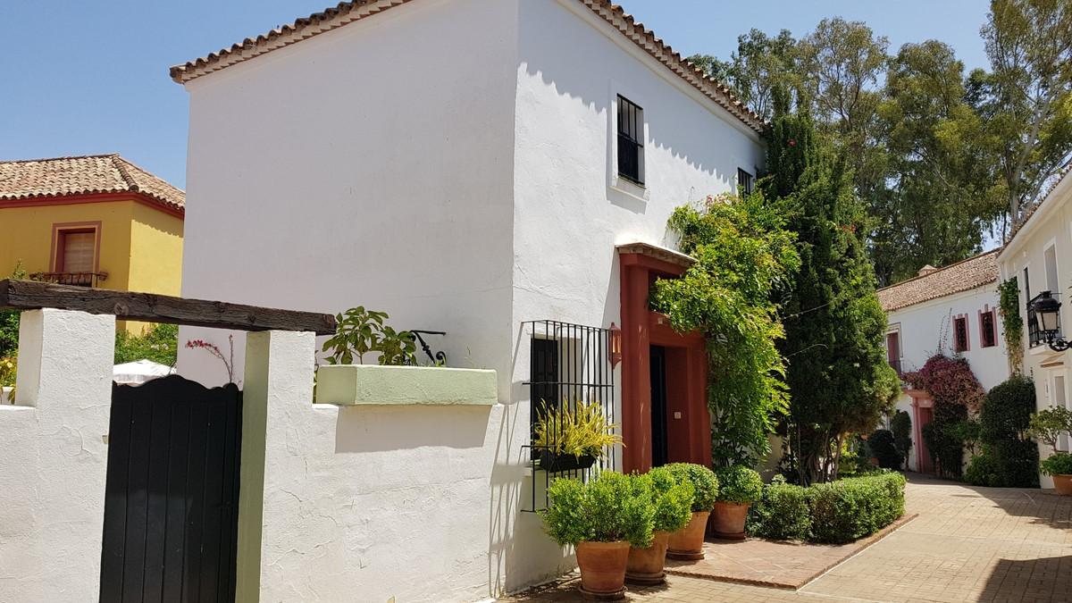 Townhouse in Guadalmina Baja