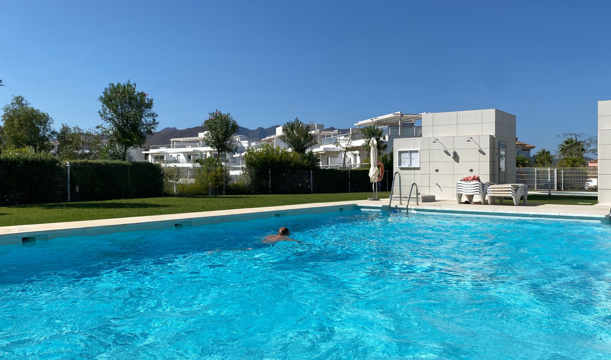 This south west facing 3 bedroom, 2 bathroom penthouse is offered in ¨as new´ condition, and with ab,Spain