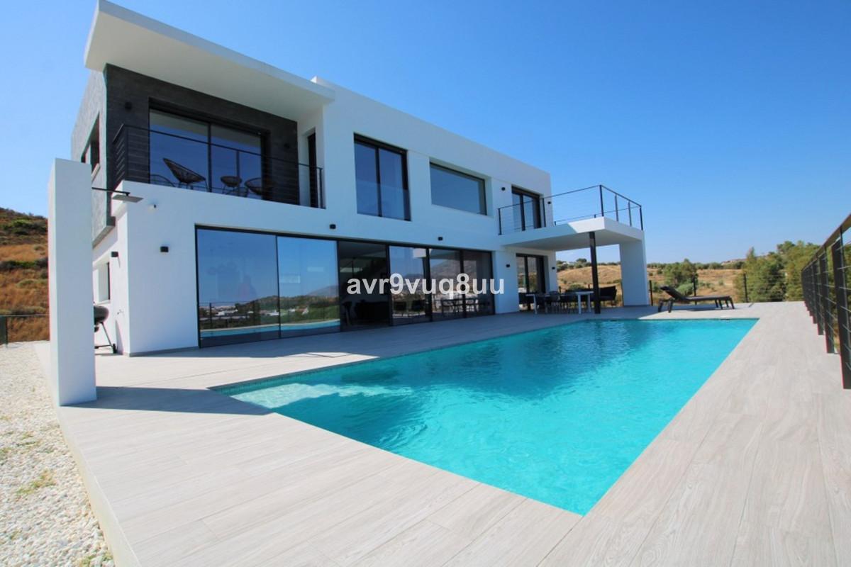 4 bedroom villa for sale la cala golf