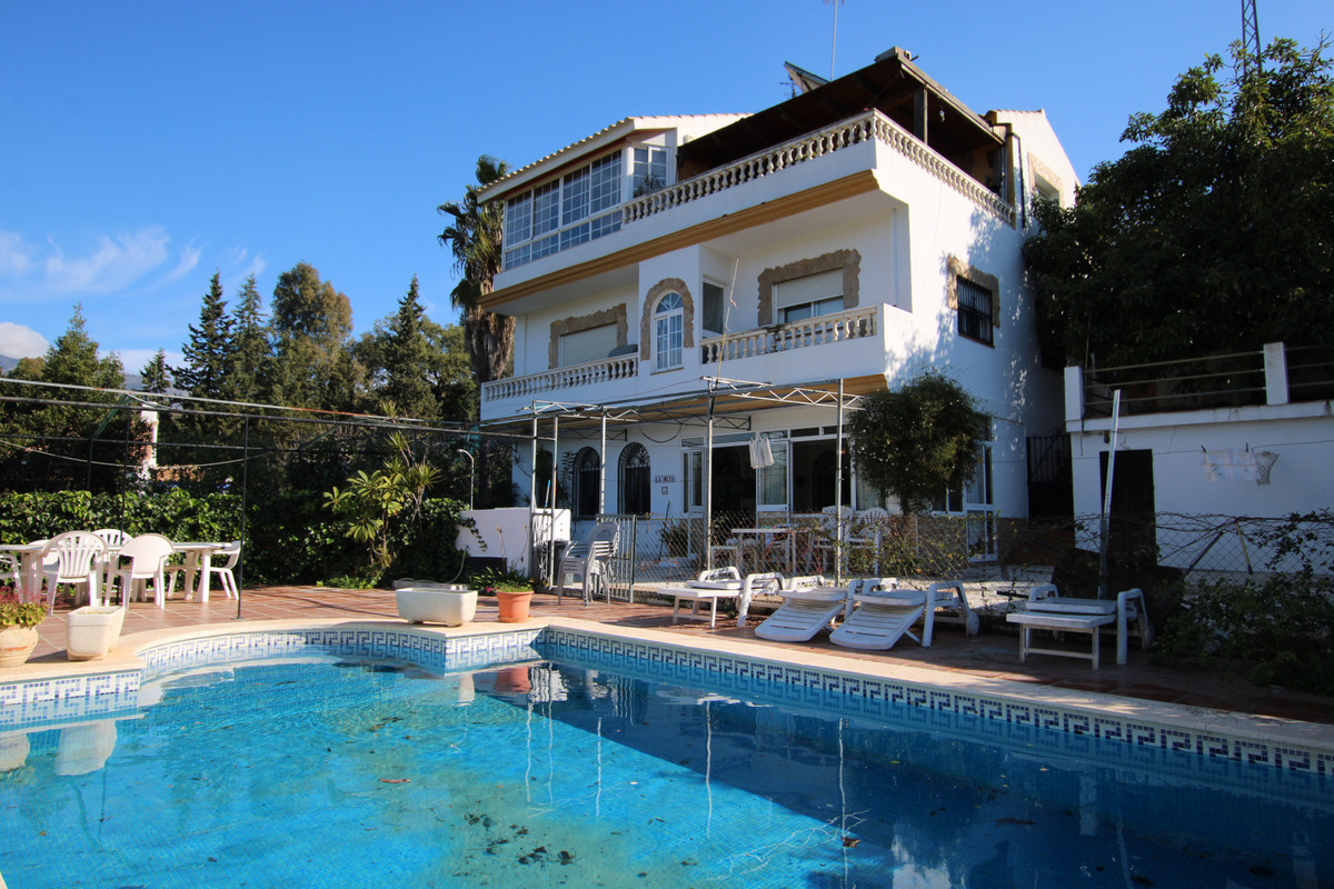Finca located in Mijas with good access to main roads located in a small urbanization of 8 other fin,Spain