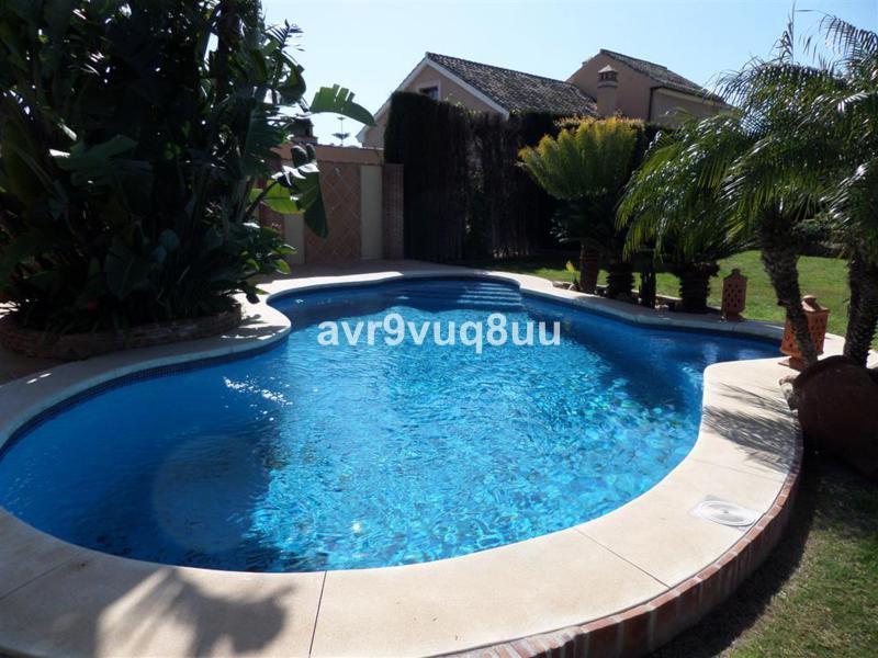 Villa con 4 Dormitorios en Venta Mijas Costa