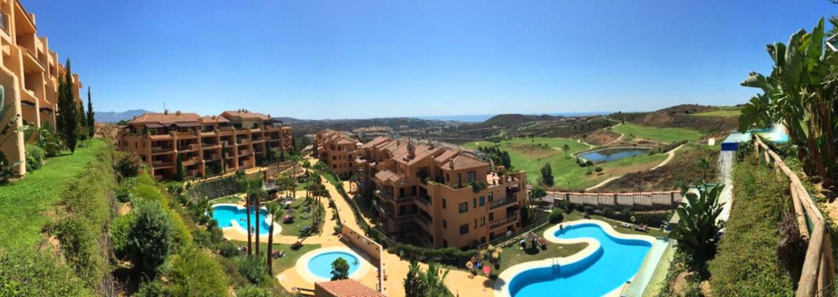 Great value investment available in the community of Calanova Sea Golf located a short drive from La,Spain