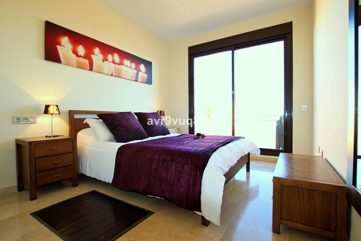 Apartment Penthouse in Calanova Golf, Costa del Sol