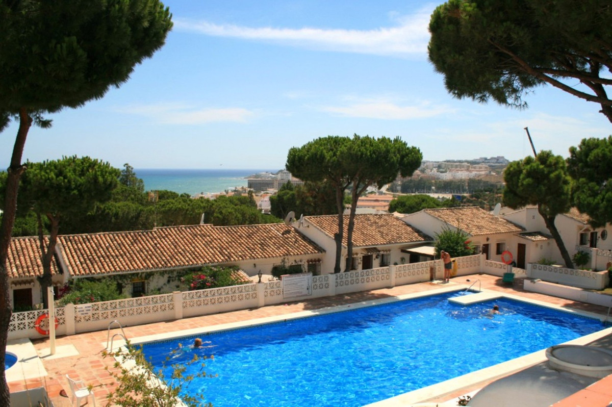 This elevated ground floor apartment in the community of Los Pinos is the ideal choice for those loo,Spain