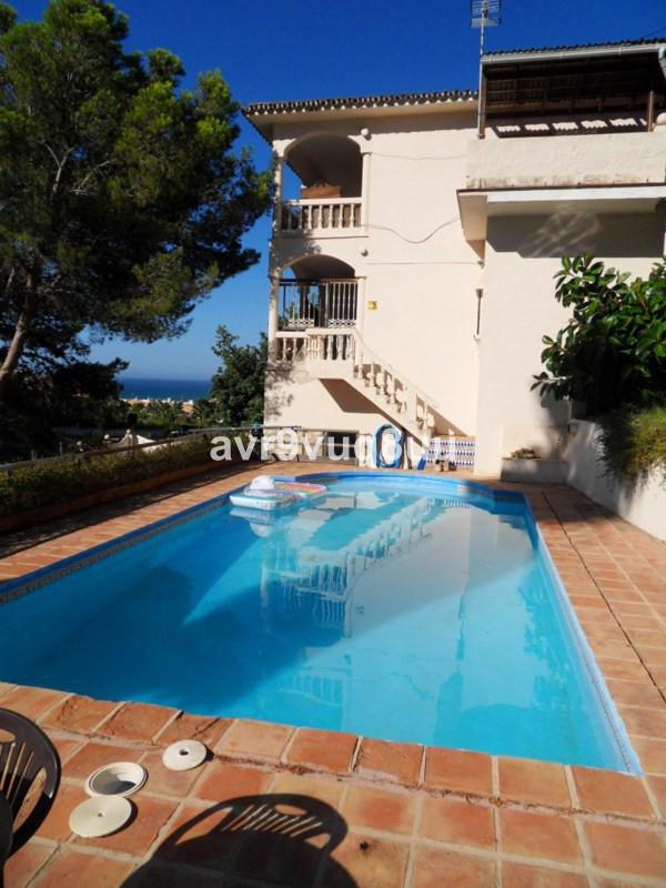 Detached Villa for sale in La Cala de Mijas R2477909