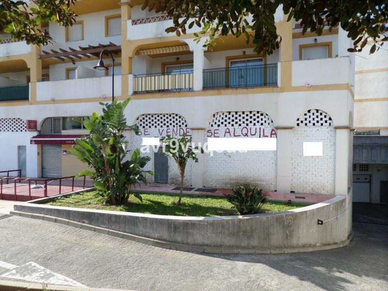 FREEHOLD – Corner commercial unit in Hacienda de Mijas Golf. The unit has 170m2, it's in a situ,Spain