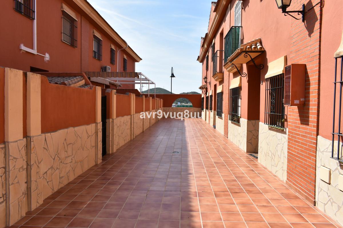 Townhouse - Las Lagunas