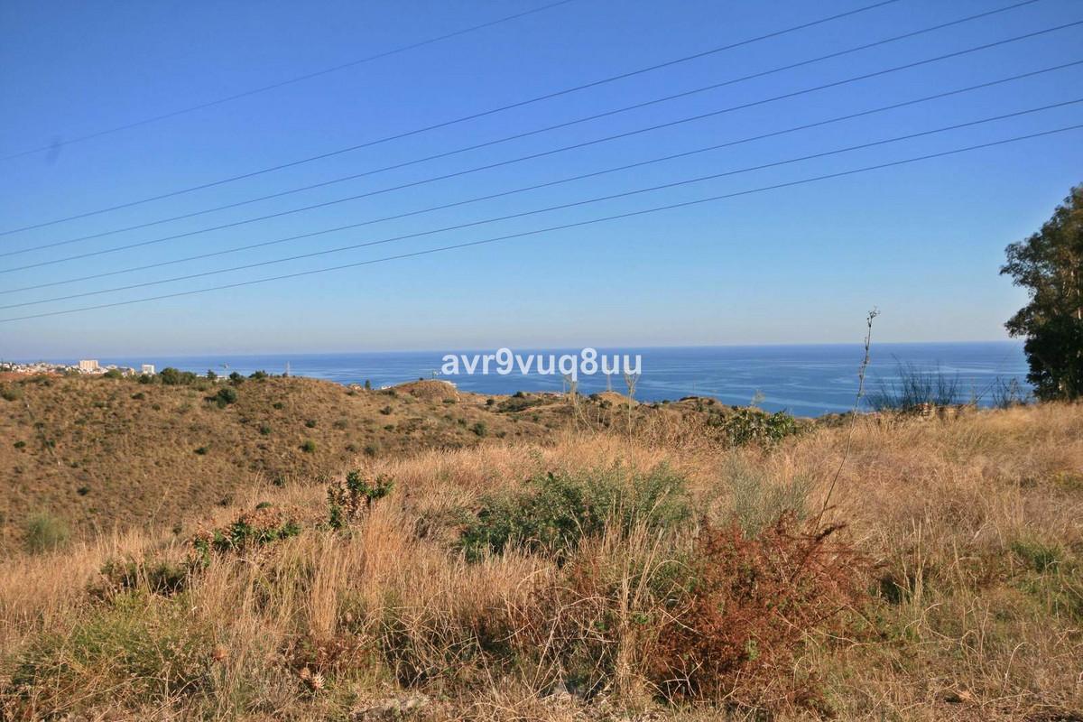 Urban Land, Torreblanca, Costa del Sol. Plot size of 6.889m2 Buildable 0.40m2t / m2s Building area a,Spain