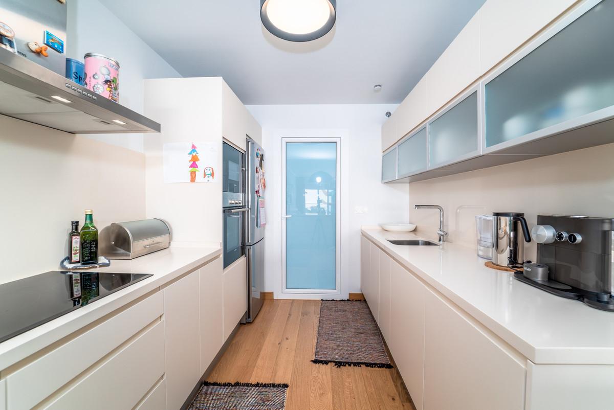 2 Bedroom Middle Floor Apartment For Sale Benalmadena