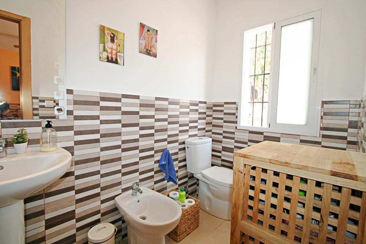 House in Fuengirola R3457300 15