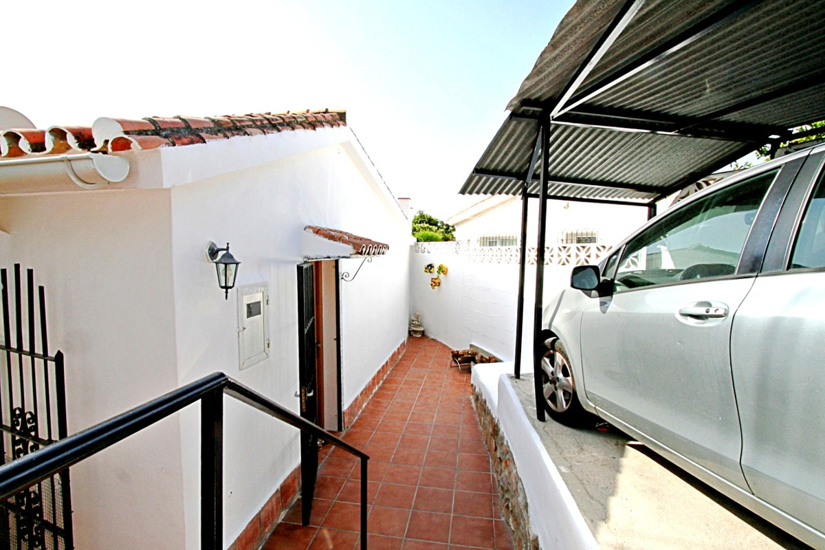 House in Fuengirola R3457300 9