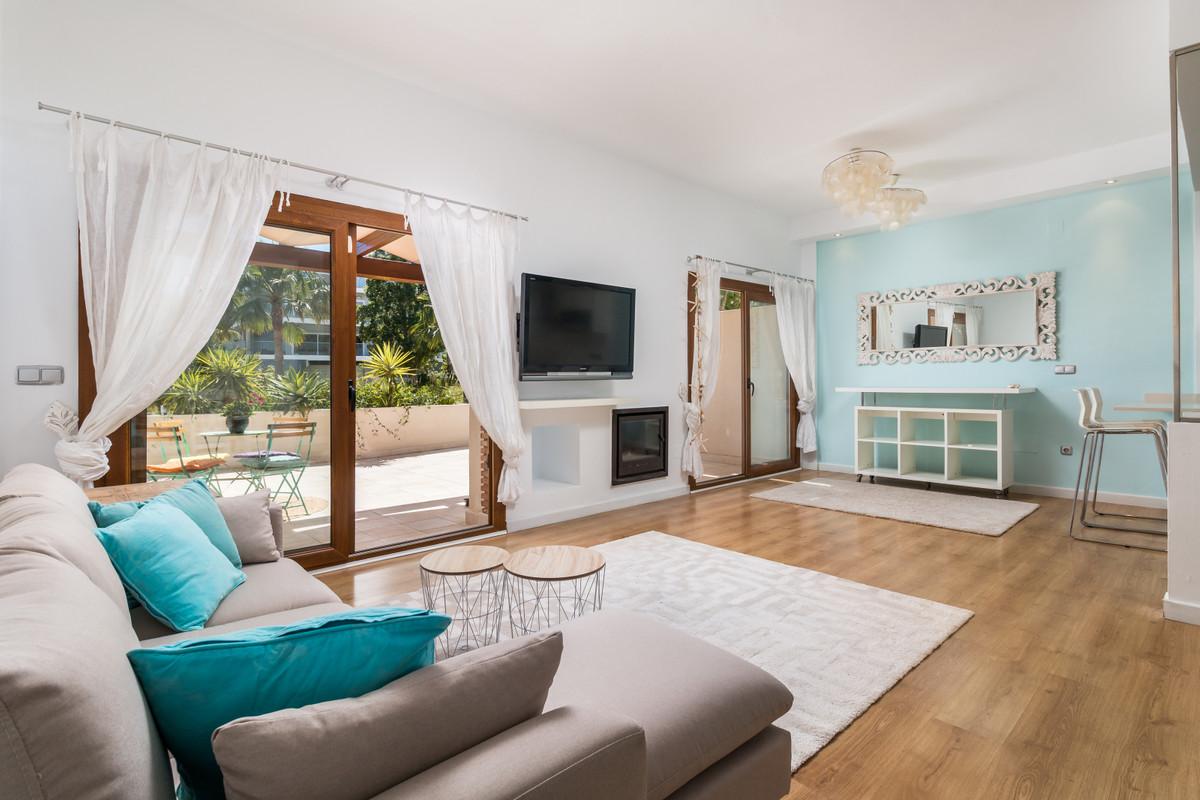Villa  Pareada en venta   en Benalmadena Costa