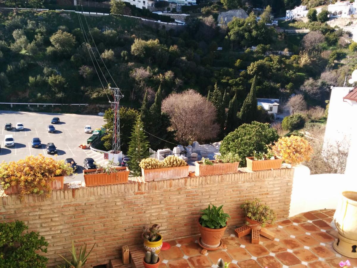 Villa con 4 Dormitorios en Venta Ojén