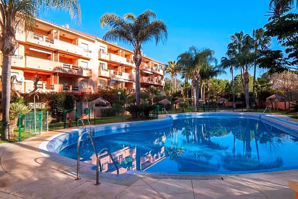 This flat is located in Urbanizacion Carib Playa, 29604, Marbella, Malaga. It is a flat of 103 m2 of,Spain