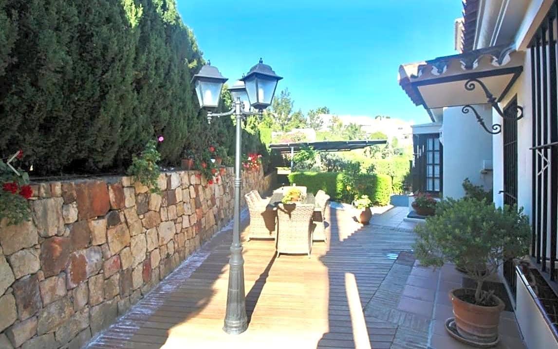 Villa con 7 Dormitorios en Venta Nueva Andalucía